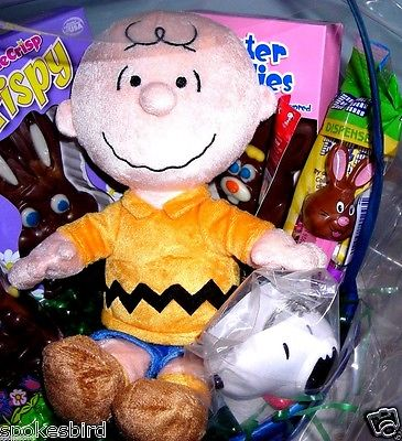 NEW ~ CHARLIE BROWN EASTER BASKET ~ PLUSH, CANDY, 50TH ANNIV SNOOPY KEYCHAIN PEZ