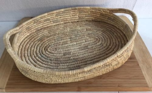 Wicker Basket Woven Natural Grass Handles Picnic Sewing Bread 17x12x4