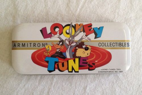 Vintage 1989 Looney Tunes Collectible  Armitron Tin Bugs, Daffy, Tweedy, Taz
