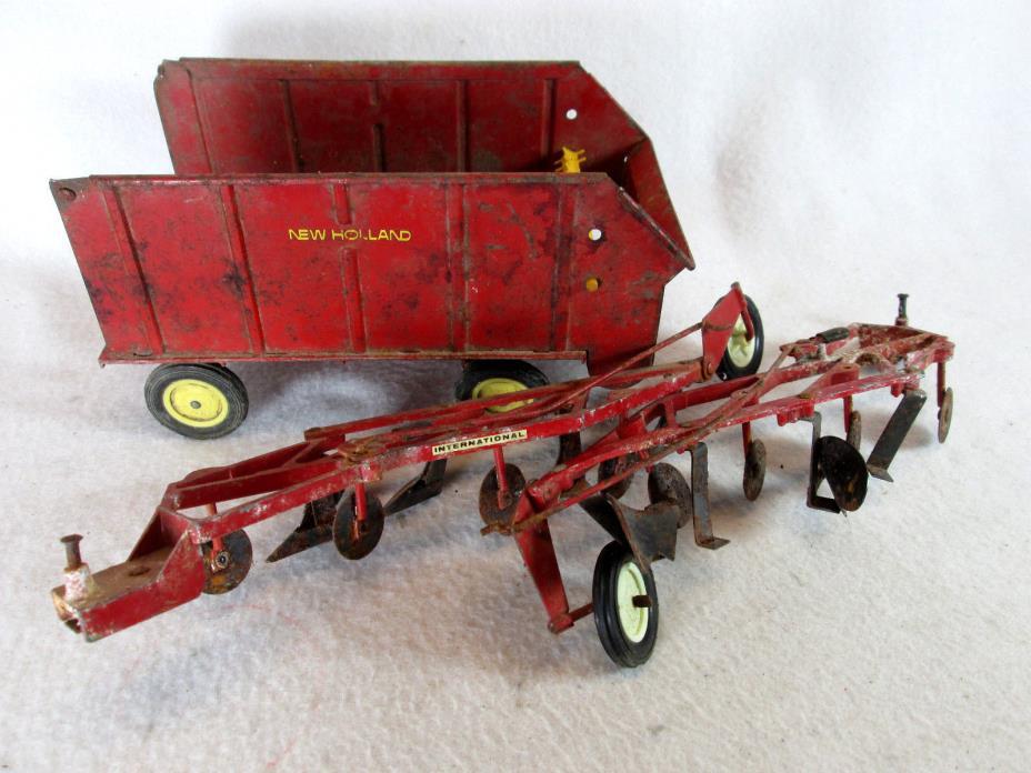 Vintage lot of 3 Ertl New Holland forage wagon, IH International Harvester plow