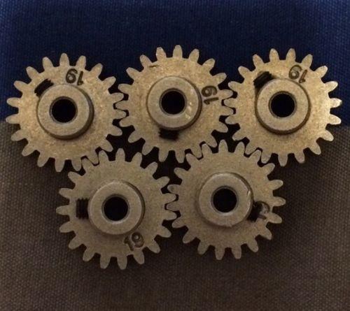 5 NEW Traxxas 3949 Pinion Gear 19T 32P 1/10 Slash 4X4 Stampede 4X4 E-Revo E-Maxx