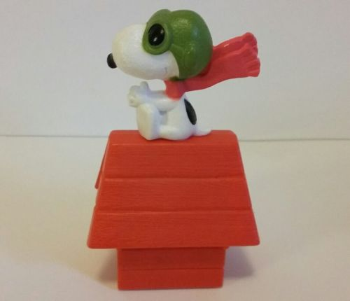 Snoopy On His Dog House Action Figure On Wheels