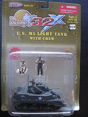 21St Century Toys Ulitmate Soldier 1/32 Light Tank with Crew