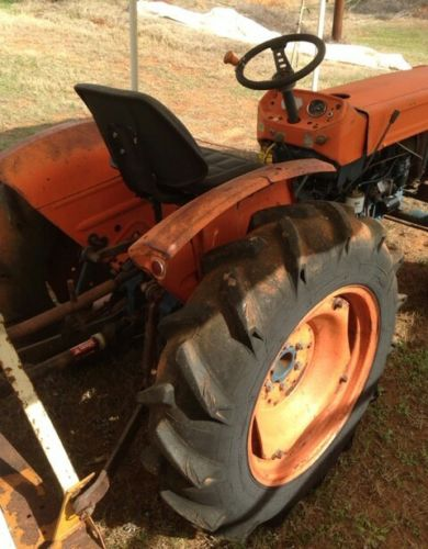L225 Kubota Mower Tractor great working condition