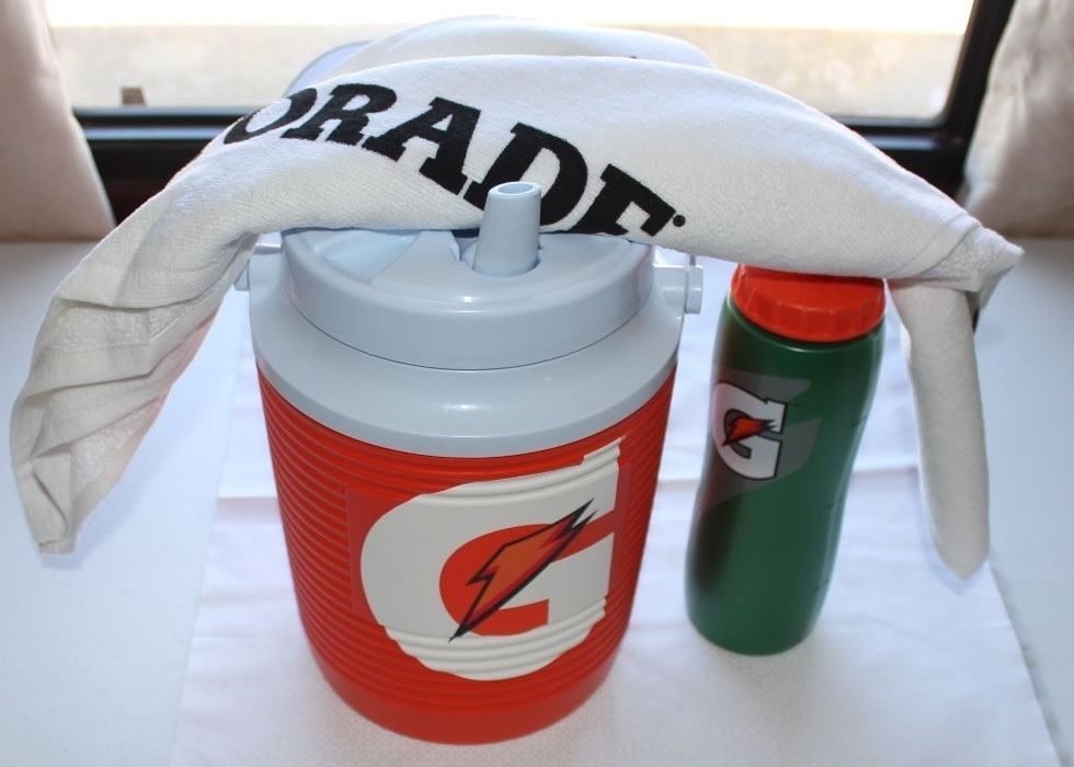 1 GALLON GATORADE WATER COOLER, Water Bottle and Towel Set