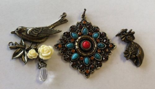 LOT OF COSTUME JEWELRY PENDANTS, THREE,TURQUOISE