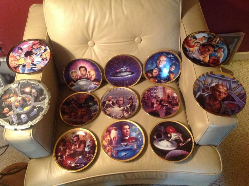 Lot of 13 Star Trek Collector Plates  Mixed Lot