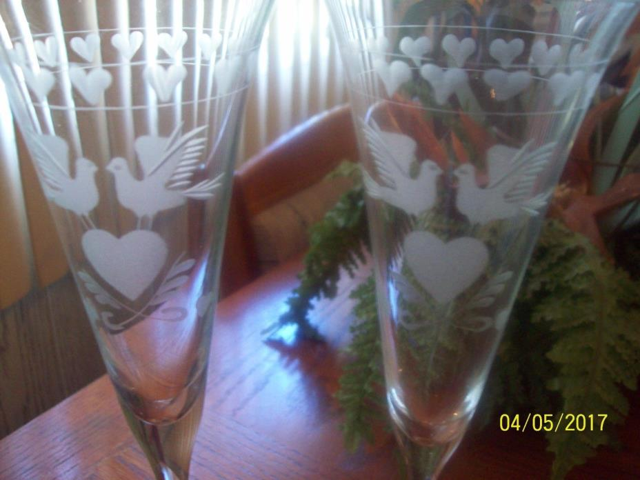 Fluted pair of champagne glasses with frosted hearts & doves