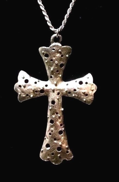 ANTIQUE STERLING SILVER ARTISAN CROSS WITH STERLING SILVER ROPE CHAIN