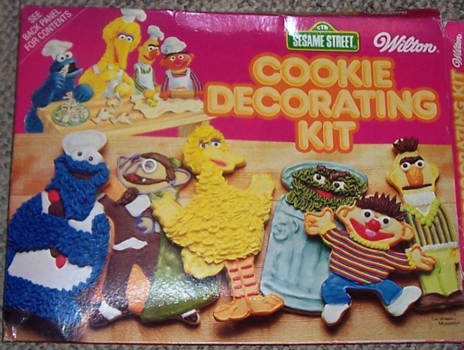 Wilton Sesame Street COOKIE MONSTER Cake Pan Baking Vintage 1977