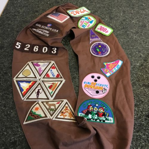 Vintage  Girl Scouts Brownie Sash, Beret, and Pins Uniform Accessories