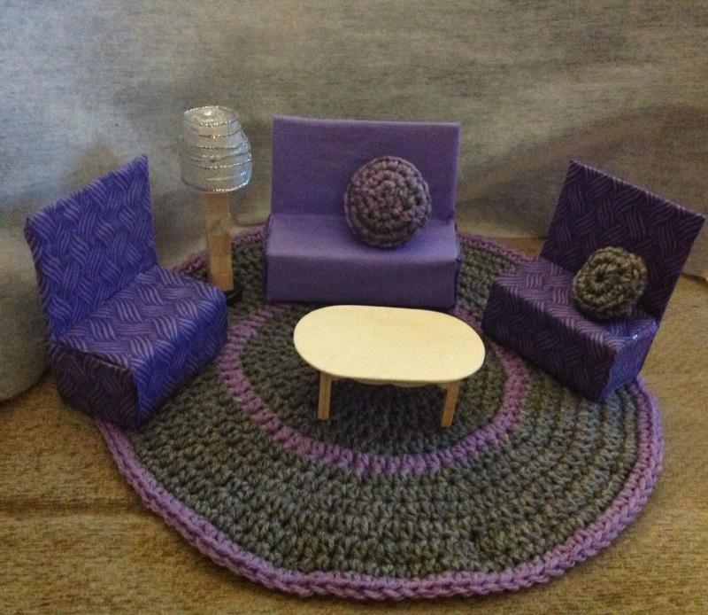 BARBIE DOLL SIZE LIVING ROOM set  SOFA, LAMP, TABLE, CHAIRS AND CARPET