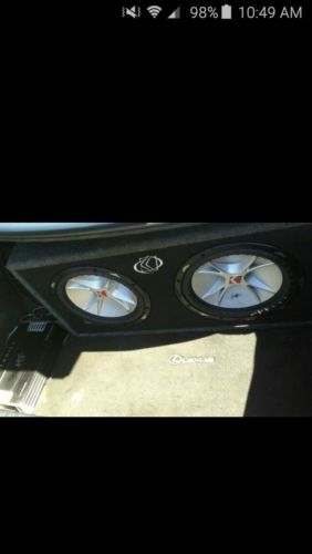 kicker subwoofers 12 with box
