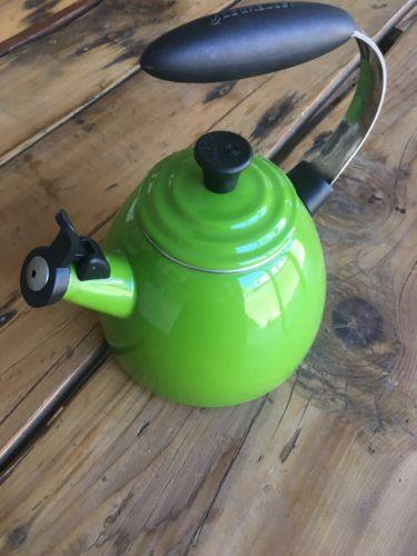 Le Creuset 1.7 Qt Whistling Tea Kettle Green