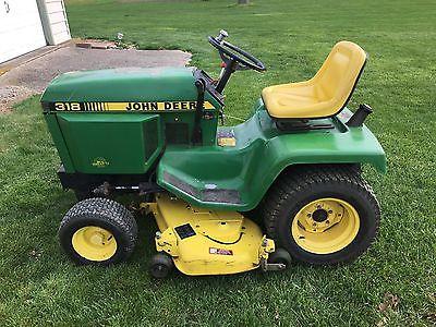 John Deere 318 Lawn Tractor - 48