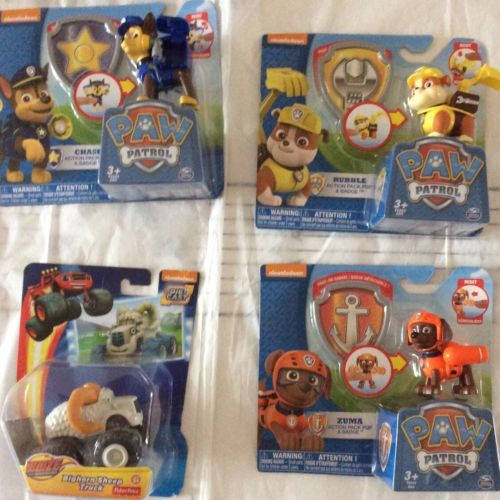 NEW PAW PATROL ZUMA & ROCKY ACTION PACK PUPS & BADGES & RACERS Plus One Big Horn