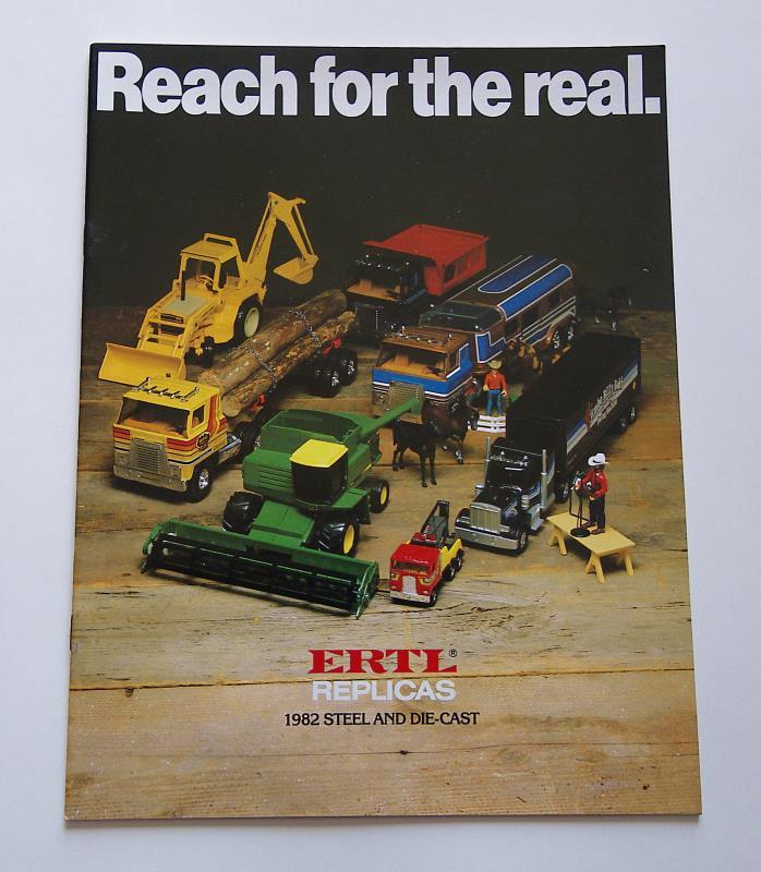 1982 Ertl Toy Brochure IH 2+2 5088 5288 John Deere 5020 Ford TW-20 Tractor
