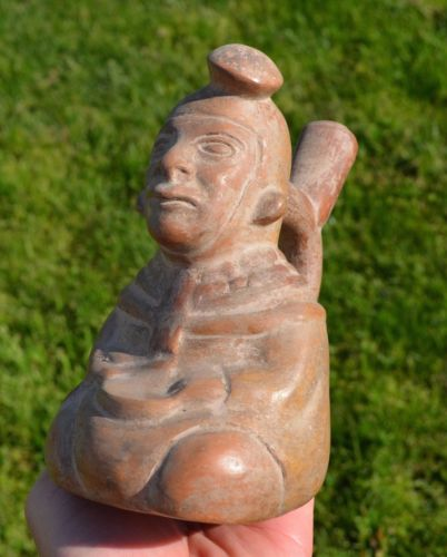 NICE AUTHENTIC PRE COLUMBIAN MOCHE DRUMMER STIRRUP VESSEL 500 A.D. PERU