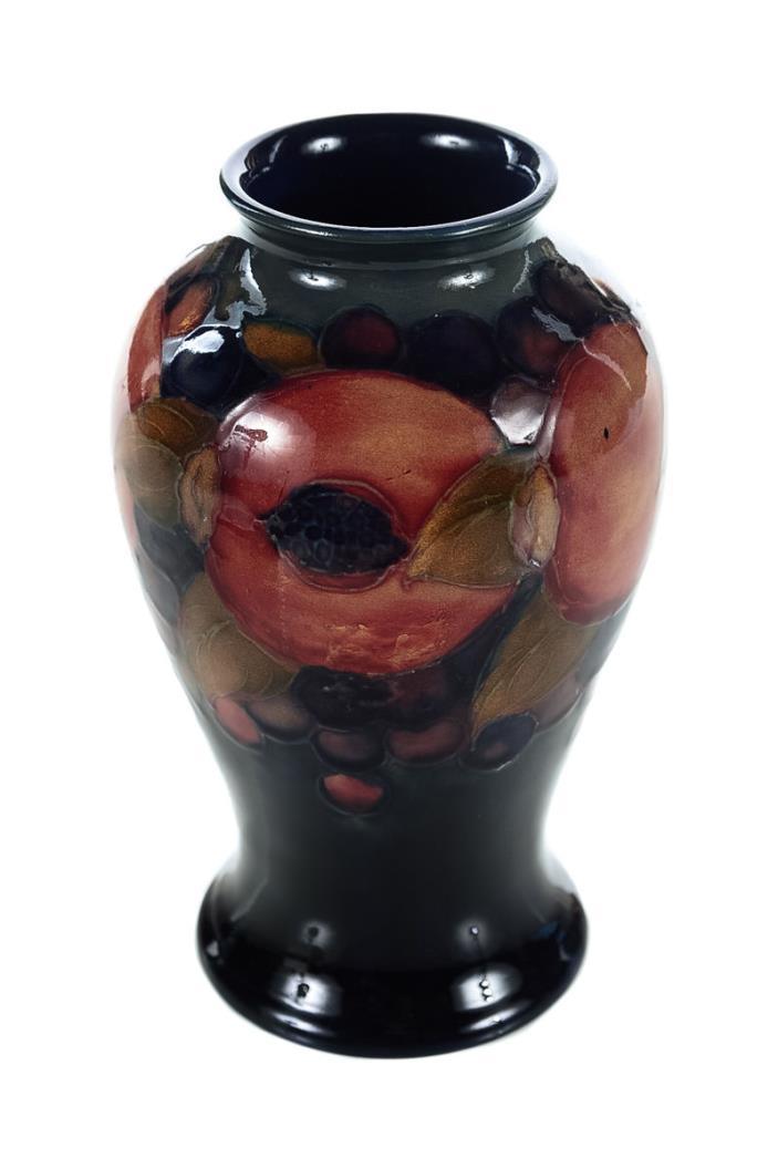 Moorcroft Vintage Pottery Art Vase -Cranberry 6