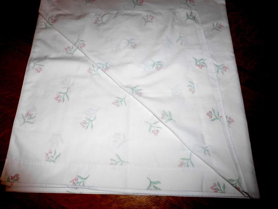 Vintage QUEEN FLAT Sheet Country Floral Flower Cottage White Percale Pink White