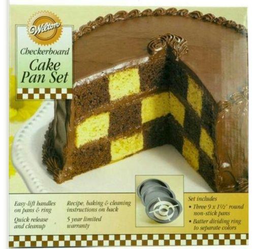Checkered cake pan kit