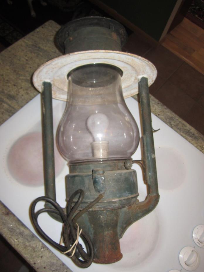 ANTIQUE DIETZ PIONEER STREET KEROSENE LANTERN LAMP