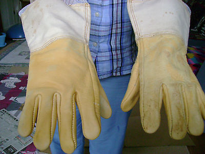 2 PAIR 20' LEATHER BEEKEEPER GLOVES WITH VENTED CANVAS SLEEVES SMALL SIZE