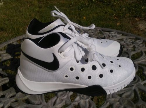 NWOB Nike SNEAKERS  Hyperquickness 3 White Black Men shoes Size 6.5 M