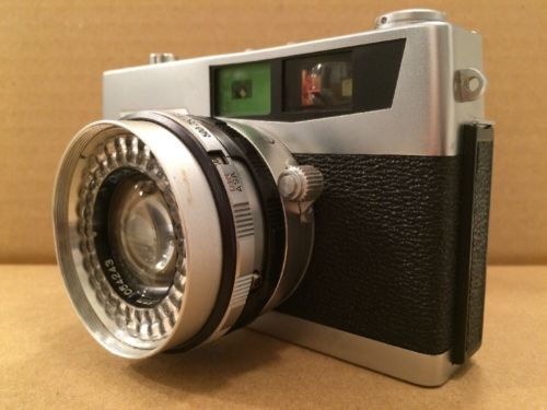 Petri 7 S Circle-Eye System Film Camera 1.8 45mm Petri Lens VINTAGE