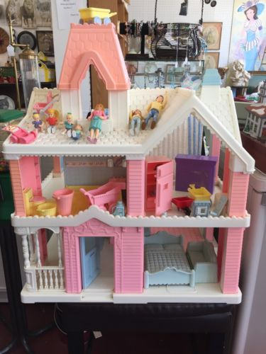 Vintage Playskool Dollhouse. With Family & Furniture