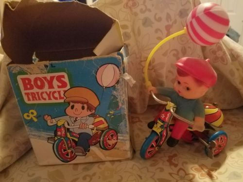 VINTAGE BOY ON TRICYCLE TIN/METAL WIND UP TOY FREE SHIPPING