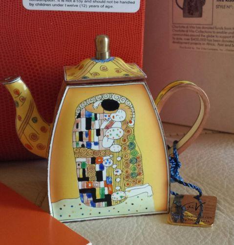 Charlotte di Vita Teapot The Kiss Klimt Enamel Handpainted Copper Miniature Box