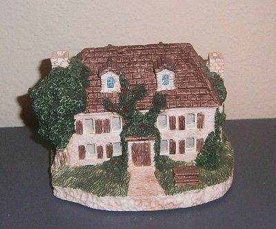 Miniature Resin Ceramic Colonial Style Circa 1910 Home w/Lighted Windows