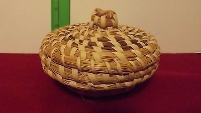 indian style Handicraft weave small basket/tray/ with lid /Arizona