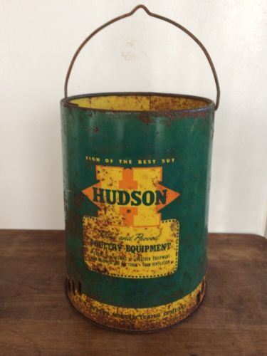Vintage HUDSON Chicken bird Feeder Waterer Galvanized metal top Can 1955