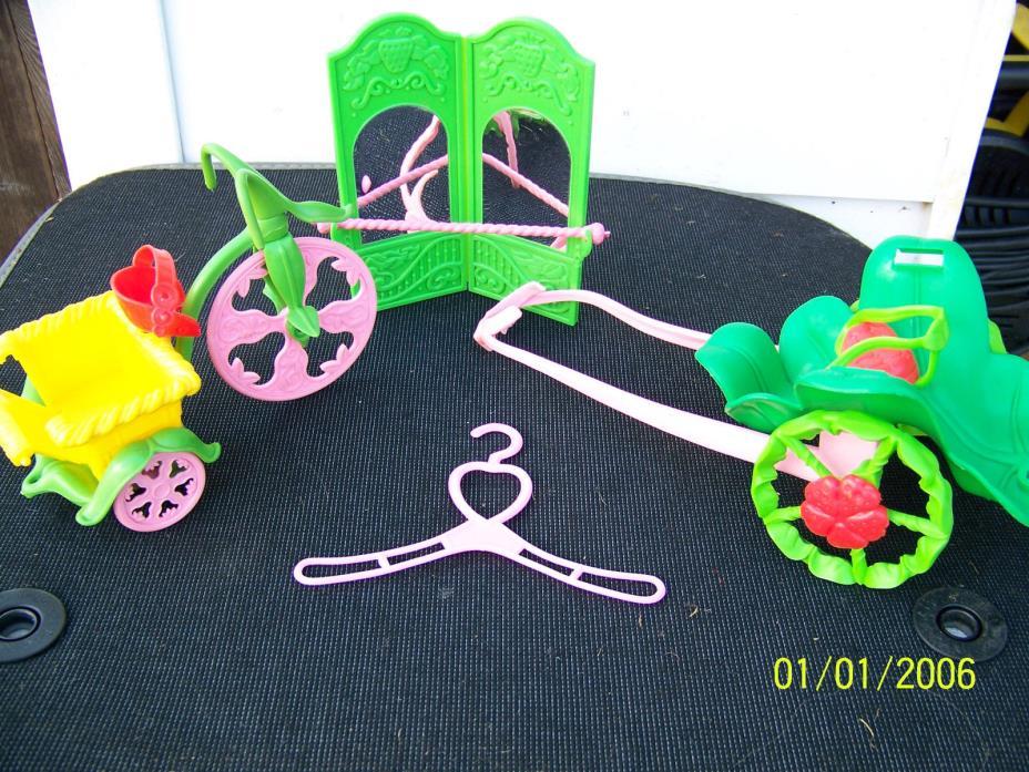 Strawberry Shortcake Lot= Berry Cycle Oatsmobile & Mirror Ballet Bar 1980's