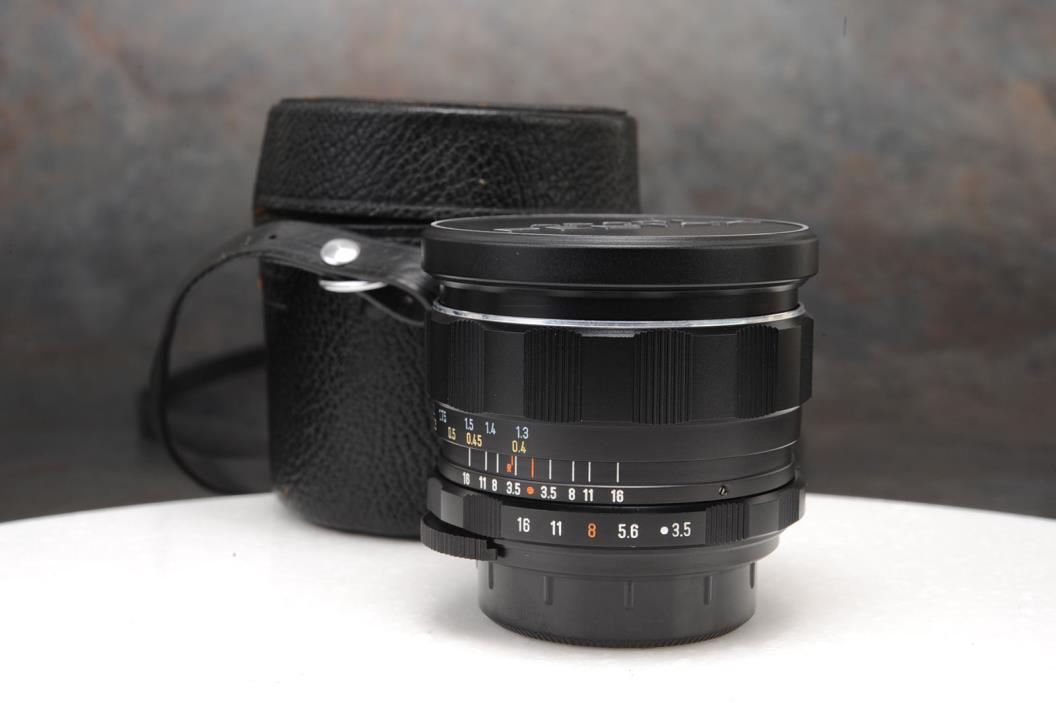- Superb Pentax Super-Takumar 28mm f3.5 Lens, M42 Thread Mount