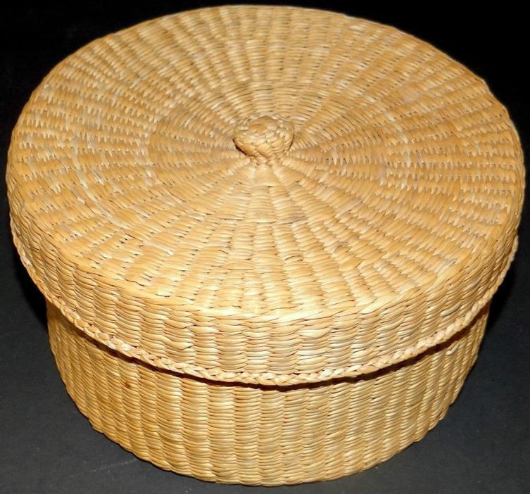 Vintage Wicker Basket Box Round Jewelry Trinket Sewing Button Stunning No Damage