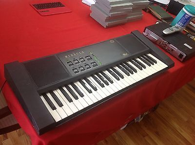 Nintendo  miracle piano teaching system   49 keys. Tested and works