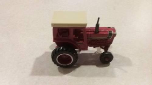 Vintage Ertl Farm Tractor IH 1066 1/64 series