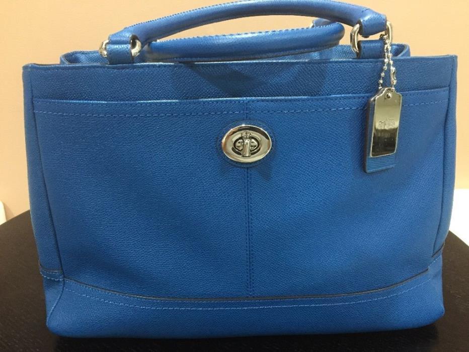 New Coach Handbag Gorgeous Denim Leather Blue Ultra Functional Purse