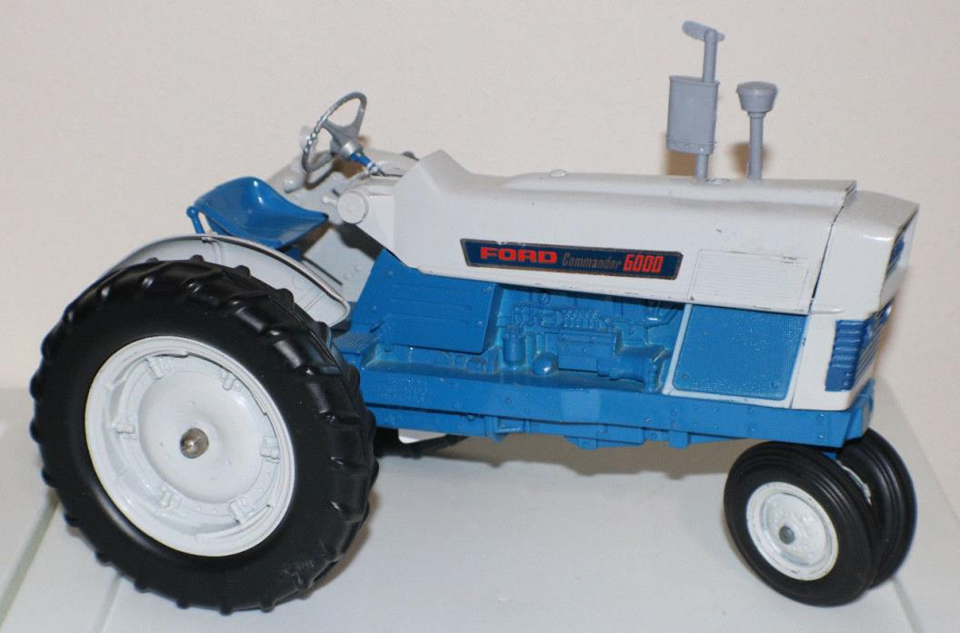Hubley FORD Commander 6000 Tractor NF 3pt. 1:12 Scale Diecast. 1965 Clean, USA
