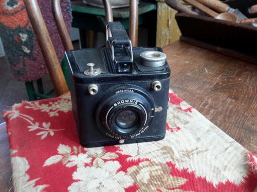 Vintage  Mid Century Camera Brownie Flash Six-20  3