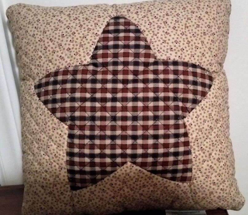 STAR PILLOW BOYDS BEAR QUILTED STAR PILLOW BURGUNDY/NAVY PLAID RETIRED (2 SIDED)