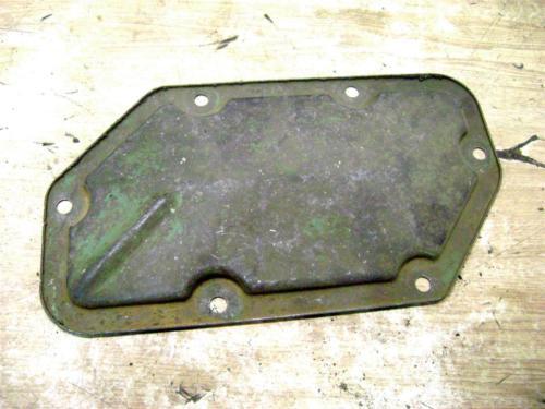John Deere 70 720 730 Crank case cover