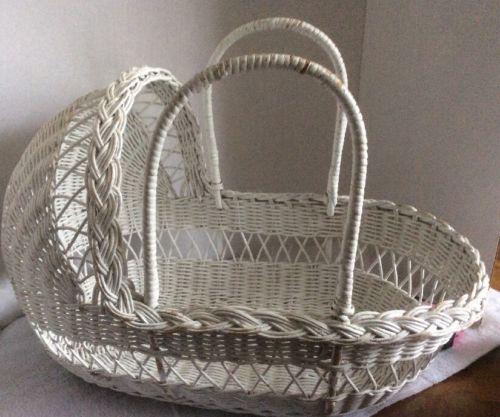 Vintage Wicker Basket/Cradle /  Baby Doll / Teddy Bear
