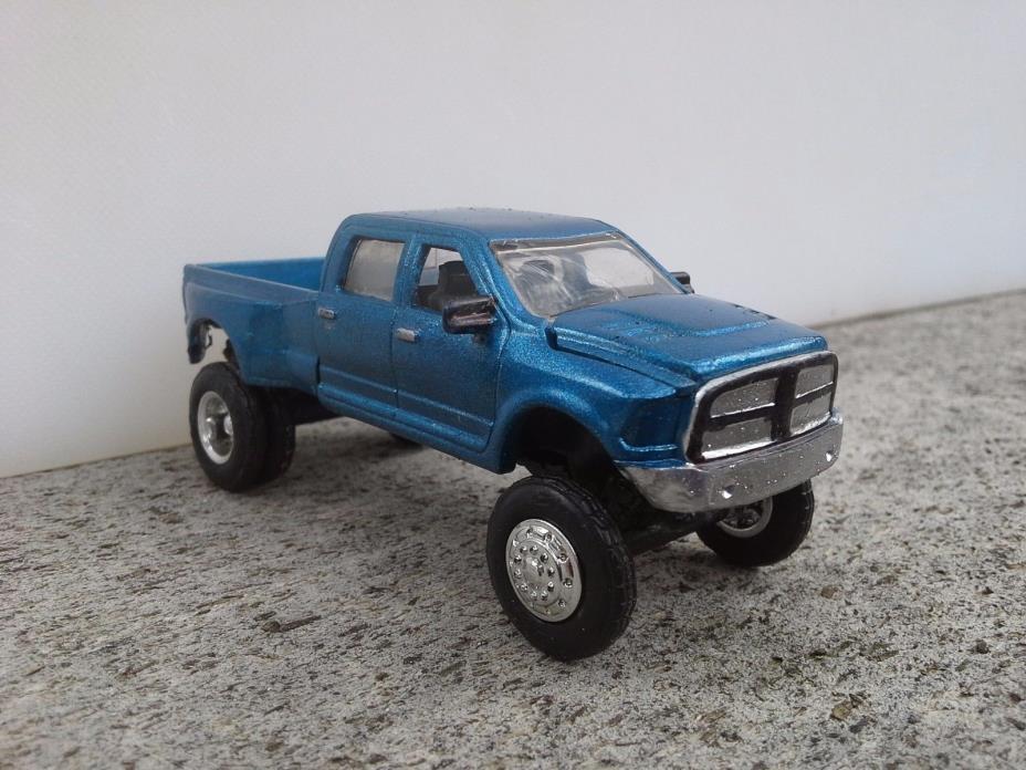 1/64 Lifted CUSTOM 2014 Dodge Ram Dually quad cab Pickup Truck Blue ERTL toy p/u