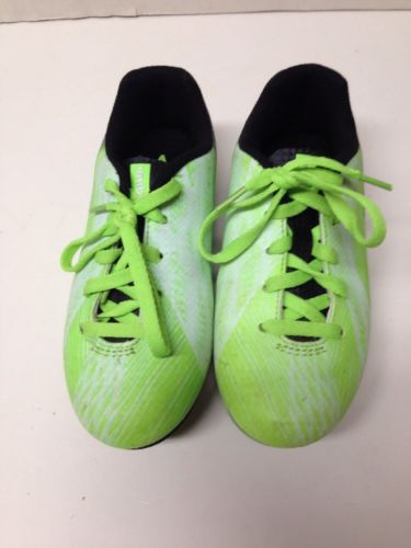 Umbro Boys Wired 12K Boys Lime Green Soccer Shoes with Cleats size 12K