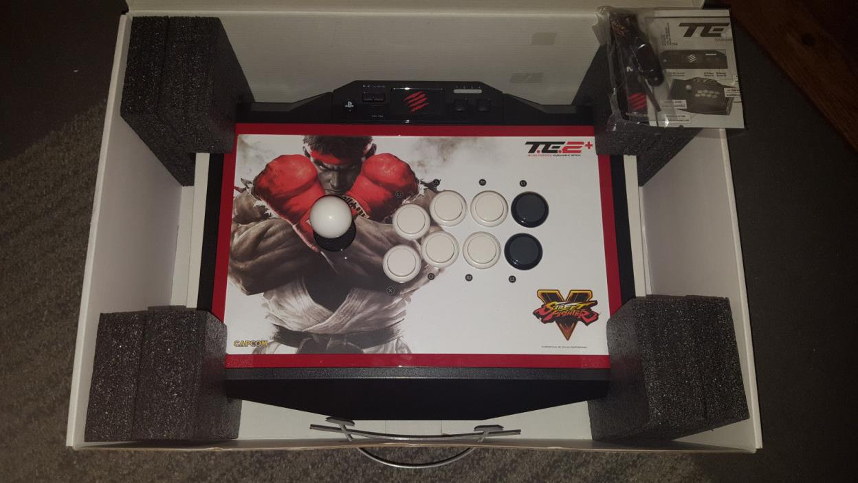 Mad Catz Street Fighter V Arcade FightStick TE2+ Playstation 3 4 PS3 PS4 Great!