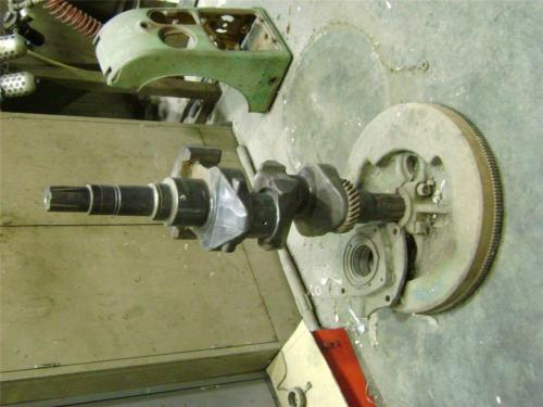 John Deere 720 730 Propane Lp Gas Crankshaft and flywheel
